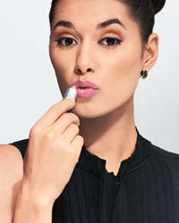Основы нанесения макияжа: несколько хитрых приемов