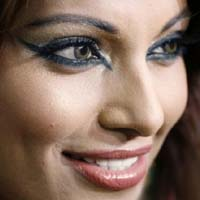 Уроки нанесения макияжа: 10 основных ошибок
