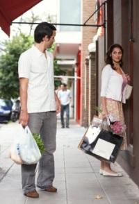 Знакомства на улице: осторожность не помешает